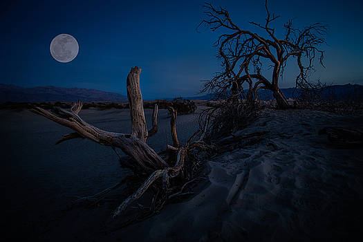 Rick Strobaugh - Full Moon in Death Valley