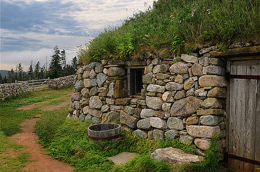 Reimar Gaertner - Gaelic Black House of stone with sod roof at Highland Village Mu