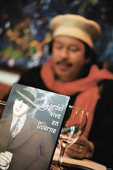 Gardel Vive en Guarne THREE by David Cardona