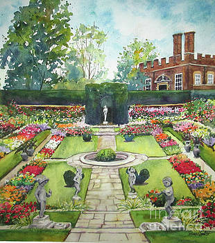 Garden at Hampton Court Palace by Susan Herbst