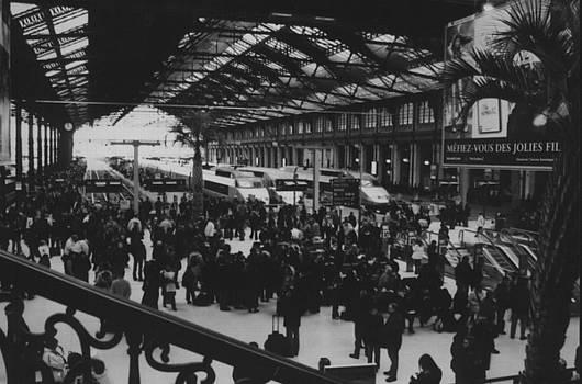 Gare de Leon 1 by Melissa Muller