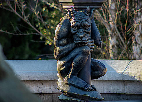 Gargoyle in Thought by Luis Rosario
