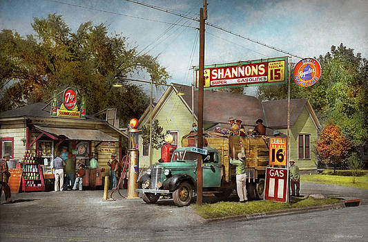 Mike Savad - Gas Station - Shannon