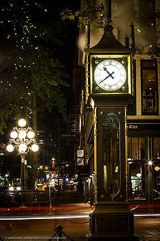 Gastown Steam Clock by DGS Full Spectrum Photography
