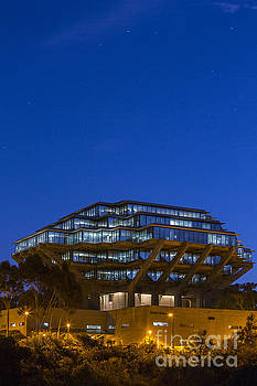 Geisel Library by Daniel  Knighton