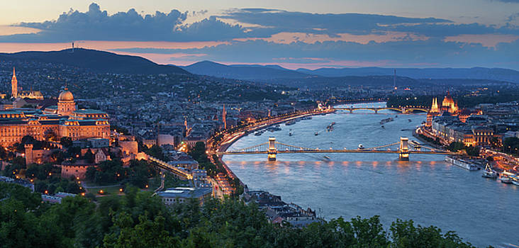 Gelert hill view of Szechenyi Bridge and Buda Castle by Adonis Villanueva