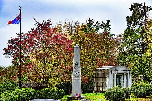 Doug Berry - General Fitzhugh Lees Tomb 9041
