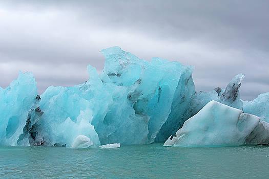Get Inspired Glacier Lagoon by Betsy Knapp