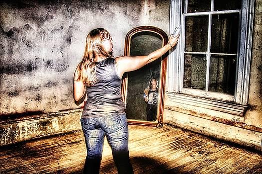 Ghost in the Mirror by Derek Bratton