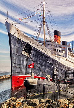 Ghost Ship Queen Mary by Bob Winberry