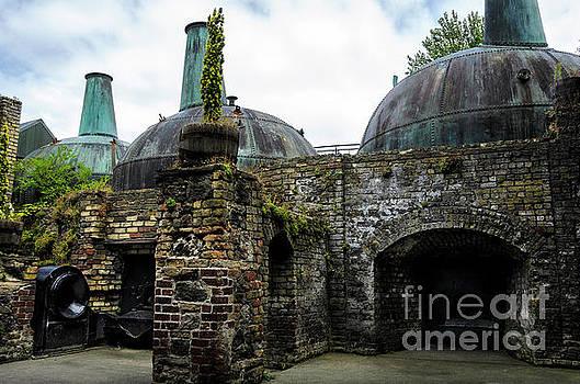 RicardMN Photography - Giant copper pot stills at Lockes Distillery