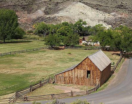 Gifford House Barn by Jim Allsopp