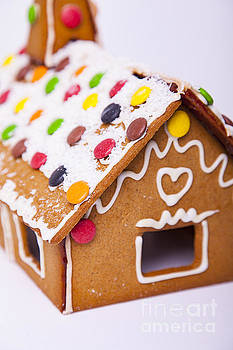 Sophie McAulay - Gingerbread house