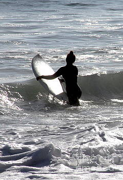 Girls Surf Too San Clemente California by Linda Queally