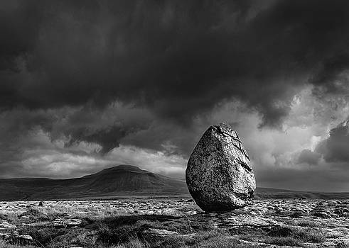 Glacial Erratic and Ingleborough by Tom Richardson