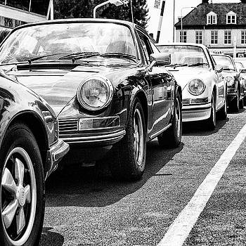 2bhappy4ever - Glamourous Porsches on a ferry bw