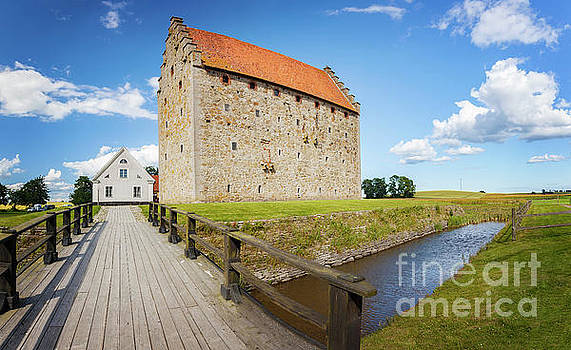 Sophie McAulay - Glimmingehus fortification Sweden