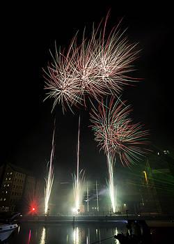 Gloucester Firework 2015 by Wendy Chapman