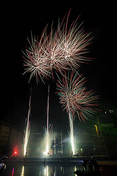 Gloucester Fireworks 2015 by Wendy Chapman