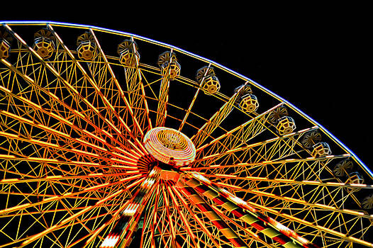 Glowing Ferris Wheel - Fractals by Ericamaxine Price