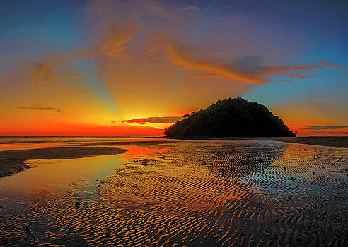 Glowing sunset view of Kudat Sunset, Malaysia by Pradeep Raja PRINTS