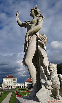 Heidi Sieber - Goddess and castle
