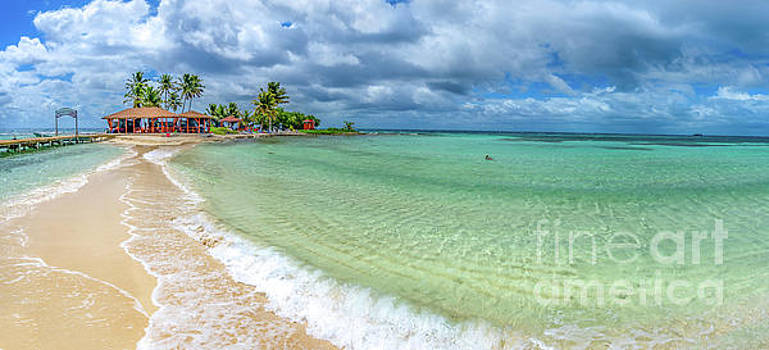 Goff's Caye Belize Pano by David Smith