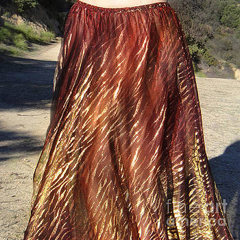 Sofia Metal Queen - Gold-brown sparkly skirt. Ameynra fashion 1048