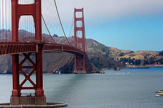 Sophie Vigneault - Golden Gate Bridge