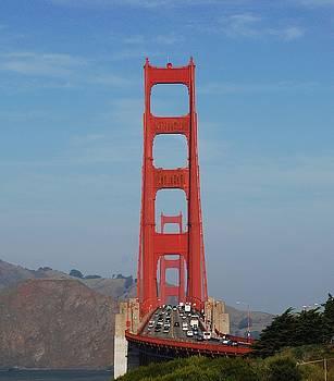 Golden Gate Head On by Lawrence Pratt