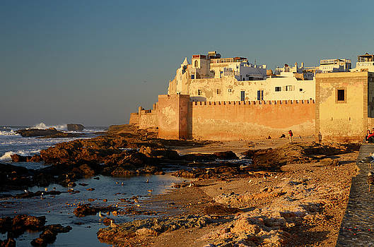 Reimar Gaertner - Golden glowing sea bastion ramparts of Essaouira Morocco at suns