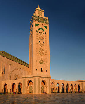 Reimar Gaertner - Golden Hassan II Mosque and minaret with blue sky at sunset