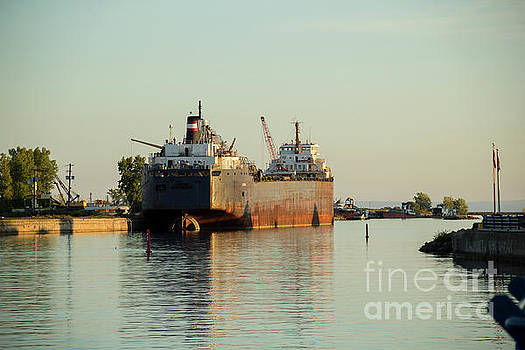 Golden Hour on the Welland Canal by Linda Joyce