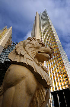 Reimar Gaertner - Golden lion statue with gold Royal Bank Plaza towers in Toronto