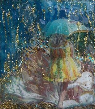 Golden Rain by Michaela Kraemer