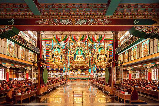 Mahesh Balasubramanian - Golden Statues of Buddha, Bylakuppe, India