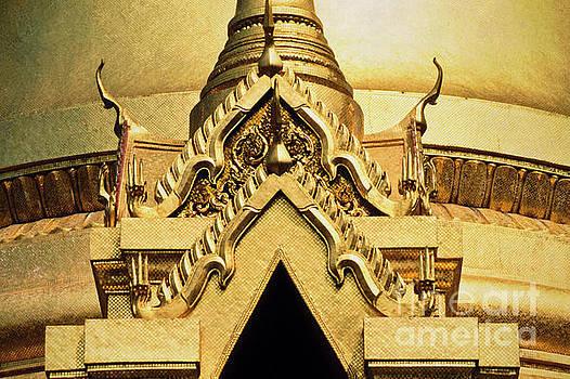 Heiko Koehrer-Wagner - Golden Stupa detail Wat Phra Kaew