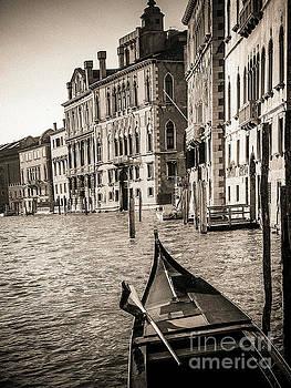 BERNARD JAUBERT - Gondola Venice . Italy