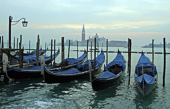 Mary Attard - Gondolas in waiting