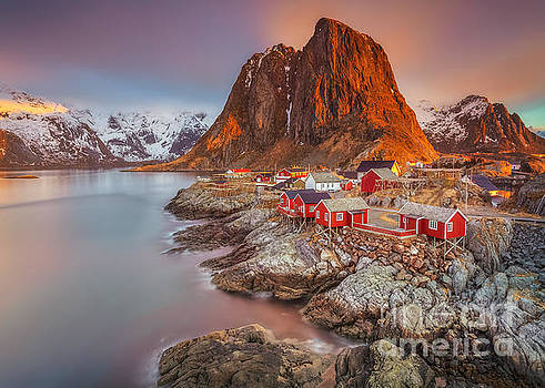 Good Morning Lofoten II by Pawel Klarecki