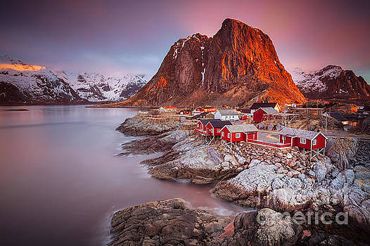 Good morning Lofoten by Pawel Klarecki