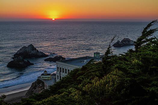 Good Night San Francisco by Bonnie Follett