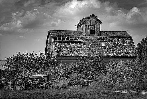 Good Old Barn by Ray Congrove