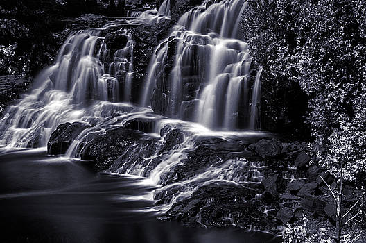 Gooseberry Falls Black and White by Lonnie Paulson