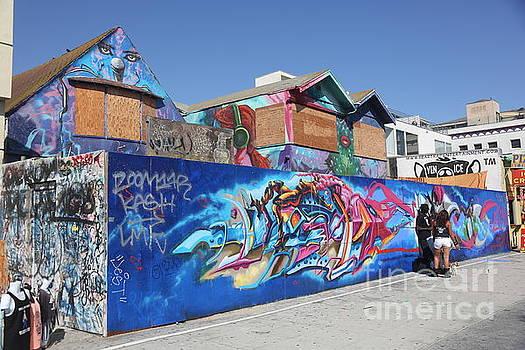 Chuck Kuhn - Graffiti Venice wild