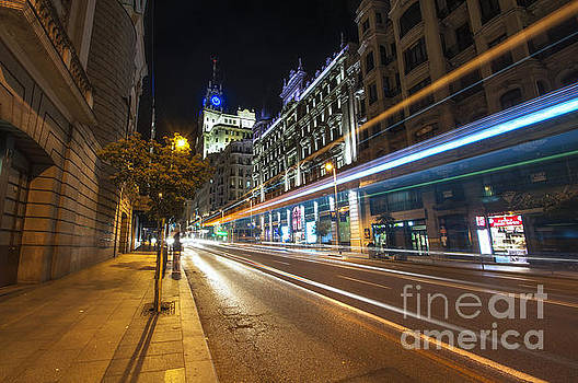 Yhun Suarez - Gran Via Light Trails 1.0