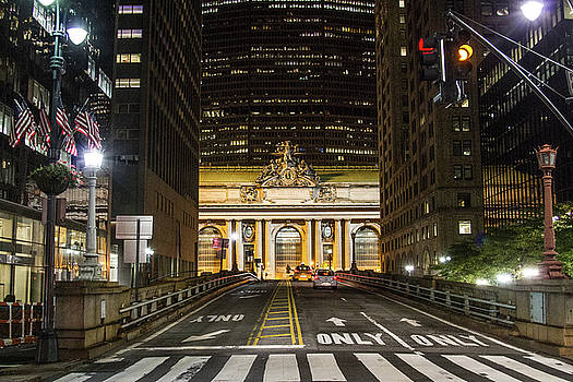 Grand Central Nights by Robert J Caputo
