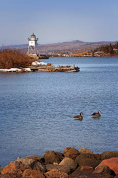 Susan Rissi Tregoning - Grand Marais Breakwater Lights