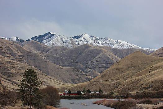 Grande Ronde River in Winter 1 by Linda Meyer