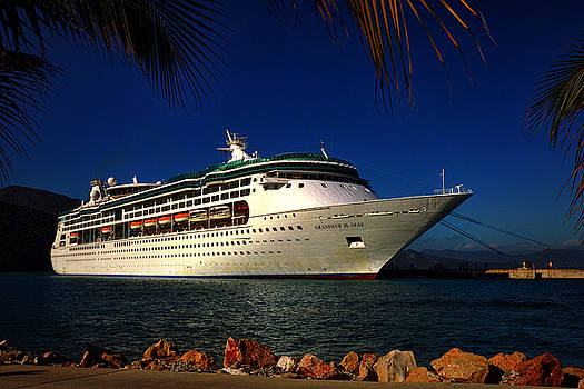 Bill Swartwout Fine Art Photography - Grandeur of the Seas at Labadee Haiti